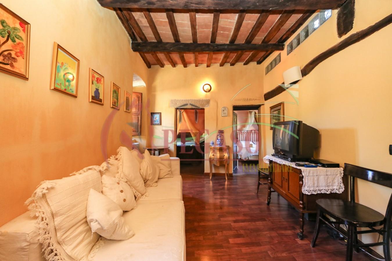 Affordable terratetto in stile toscano con giardino piscina e vista panoramica with cucine stile - Cucine stile toscano ...